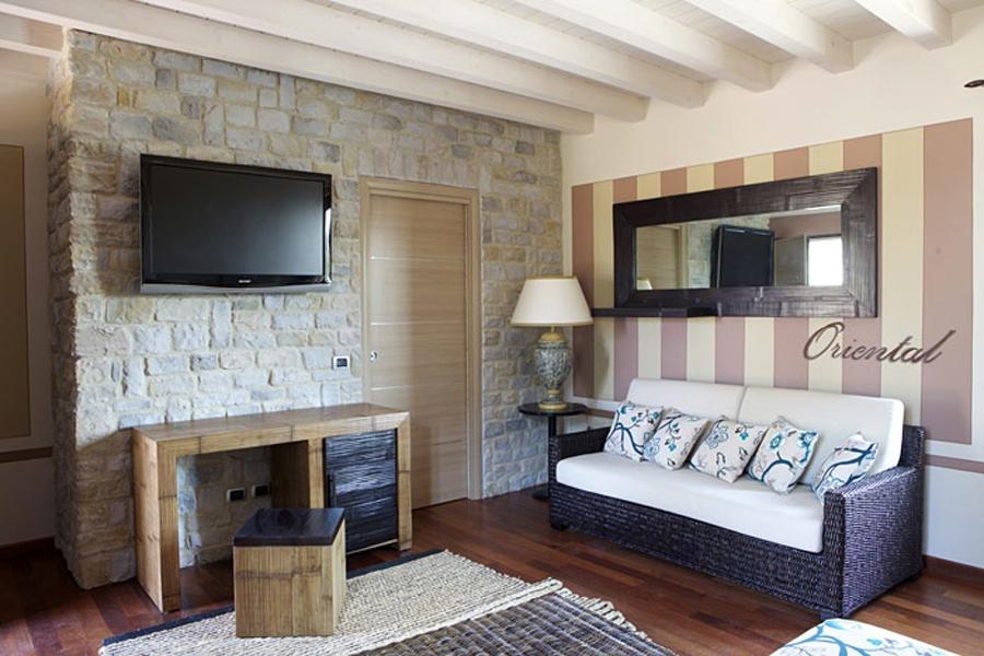 Arckstone angoli rivestimento pietra ricostruita kerma for Rivestimento parete soggiorno
